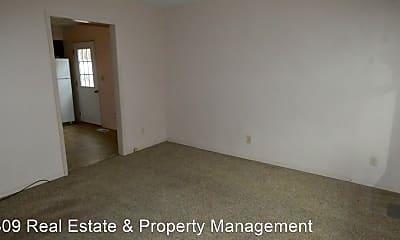 Bedroom, 406 E Main St, 1