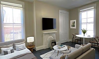 Living Room, 126 N Maysville St, 0