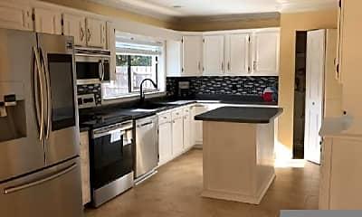 Kitchen, 17265 Lake Park Rd, 2
