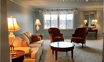 Living Room, 19425 Van Aken Blvd, 0