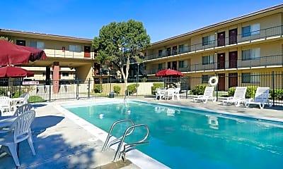 Pool, Warren Coronado, 0