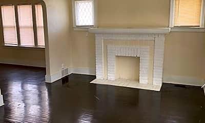 Living Room, 4717 Haverhill St, 1