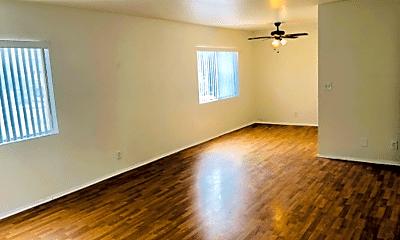 Living Room, 2321 Pullman Ln, 1