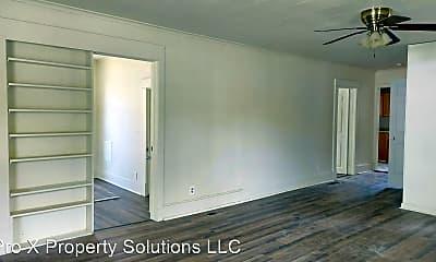 Building, 304 E Park St, 1