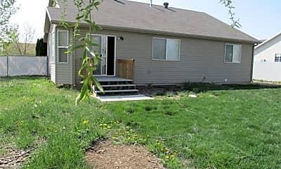 Building, 1056 N 3450 W, 2