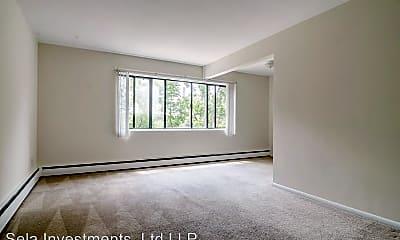 Living Room, 718 University Ave SE, 1