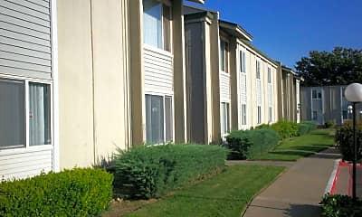 River's Bend Apartments, 1