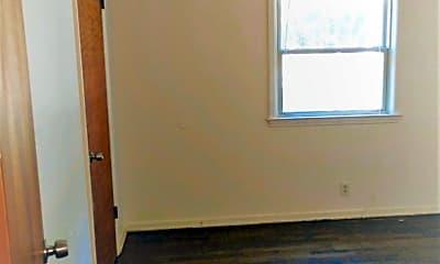 Bedroom, 5805 N Meadows Blvd, 2
