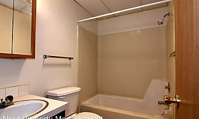Bathroom, 914 20th Ave Pl, 2