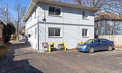 Building, 2221 1st Street #2, 2