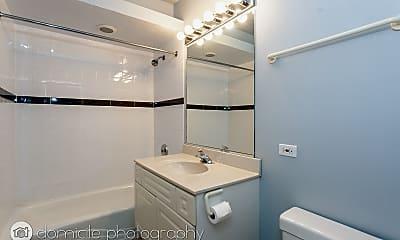 Bathroom, 3835 N Southport Ave #3, 1