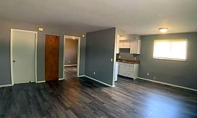Living Room, 1131 Riverside Dr, 1