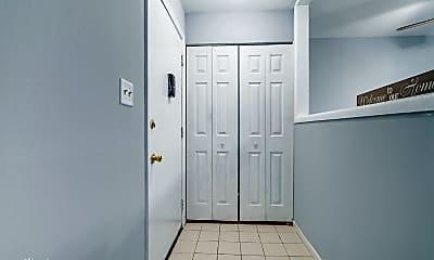 Bathroom, 585 Hill Dr, 1