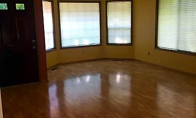 Living Room, 725 SE 33rd St, 2
