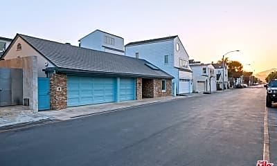 Building, 23402 Malibu Colony Rd, 2