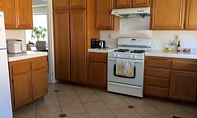 Kitchen, 138 Bracebridge Ct, 1
