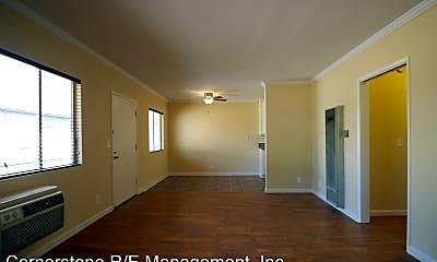 10921 Bloomfield St, 1