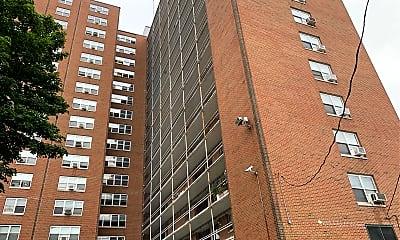 Wade Apartments, 2