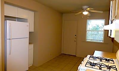 Kitchen, 10801 Topperwein Dr, 1