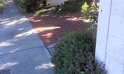 Avalon Courtyard, 1