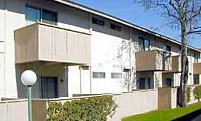 City Gardens Apartment Homes, 1