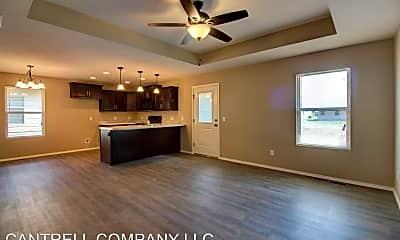 Living Room, 862 S Waco Ave, 1