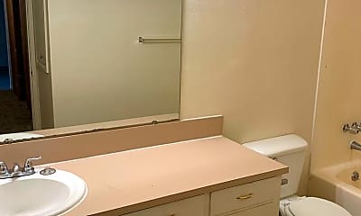 Bathroom, 4066-4082 Commercial St SE, 2