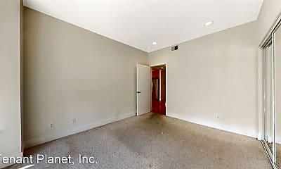 Bedroom, 662 Capp St, 2