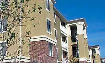 Frontgate Apartments, 0