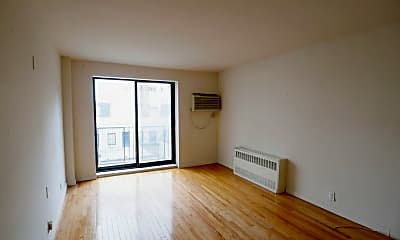 Living Room, 211 E 73rd St, 1