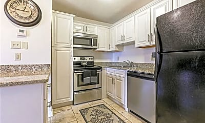 Kitchen, 420 Metairie-Hammond Hwy, 2
