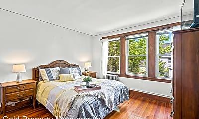 Bedroom, 31-33 Washington St, 2