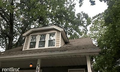 Building, 506 W Hazelhurst St, 1