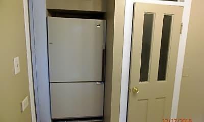 Kitchen, 601 Manitou Ave, 2