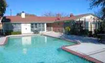 Center Ridge Apartments, 2