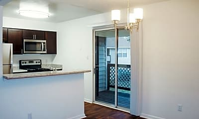 Oak Lake Apartments, 1