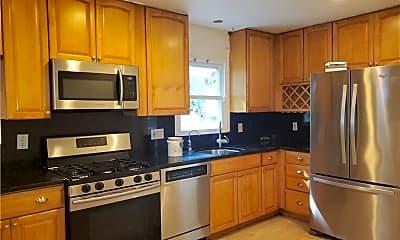 Kitchen, 34 Ashland St LEFT, 1