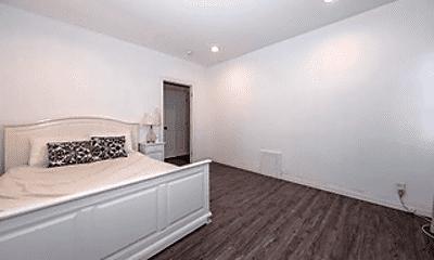 Bedroom, 4307 S Budlong Ave, 2
