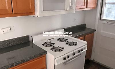 Kitchen, 3344 W Ainslie St, 2