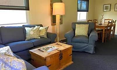 Living Room, 2827 Bayside Ln, 2