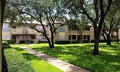 Foxwood Apartments, 0