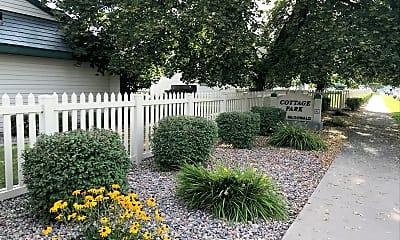 Cottage Park, 1
