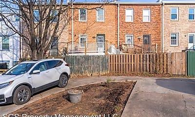 Building, 1211 Potomac Ave SE, 2