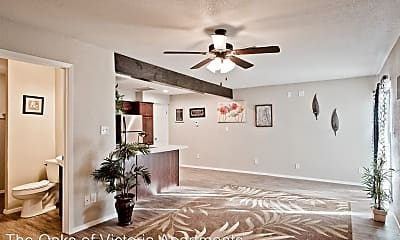 Living Room, 305 Westwood St, 2