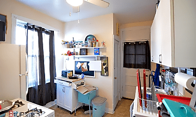 Kitchen, 2106 W Thomas St, 1