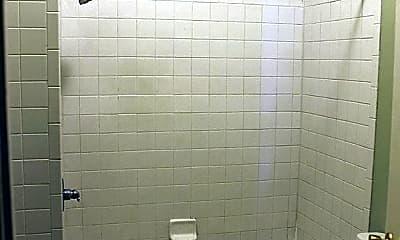 Bathroom, 106 E Anderson St, 2