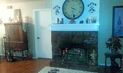 Living Room, 6834 S Toledo Ave, 0
