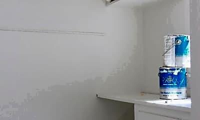 Bathroom, 168 Norfolk St, 2