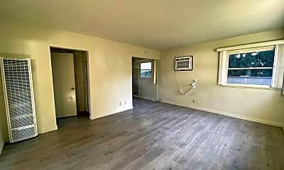 Living Room, 216 Santa Rosa Rd, 1