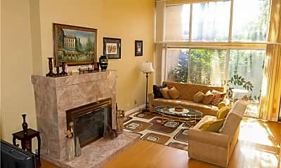 Living Room, 5435 Yarmouth Ave 8, 0